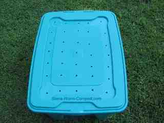 worm bin lid with air holes